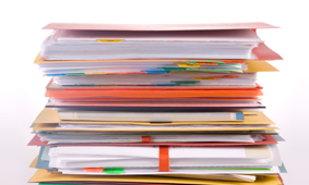 Une pile de documents