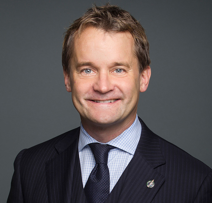 L'honorable Seamus O'Regan Ministre des Ressources naturelles