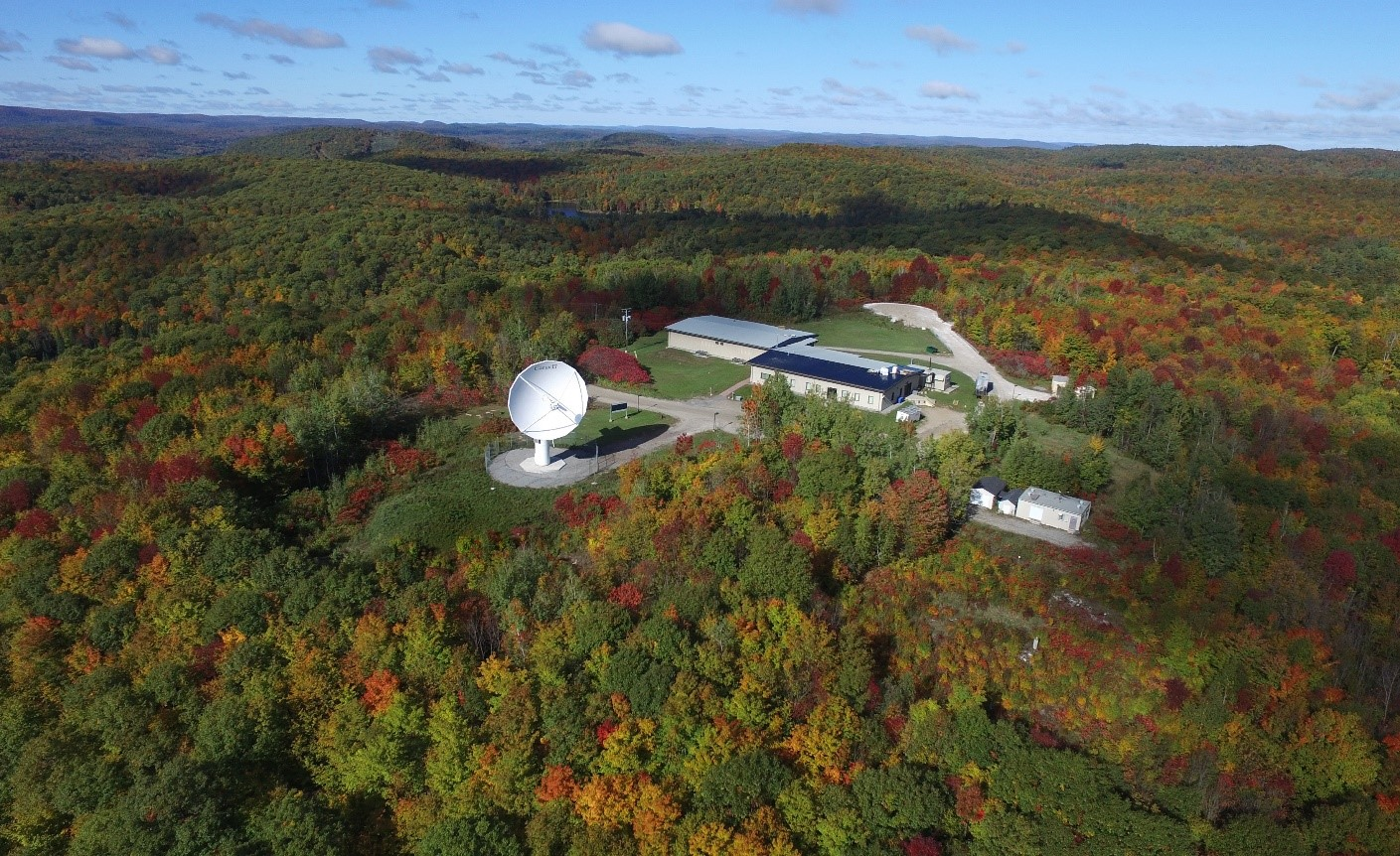 This image shows the Gatineau Satellite Station with 2 dish antennas and two buildings